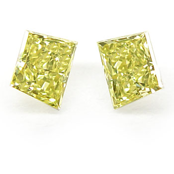 View 0.34 ct. Trapezoid Fancy Intense Yellow