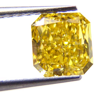 View 1.02 ct. Radiant Fancy Vivid Yellow
